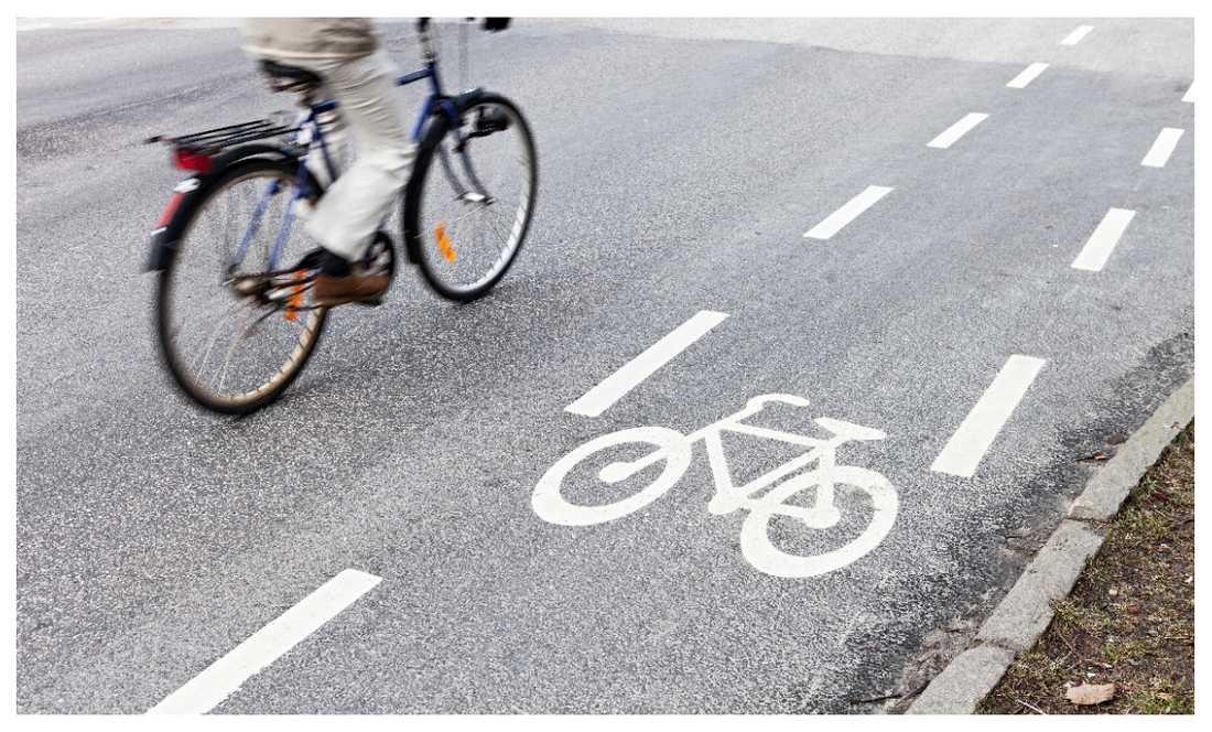 Nu är det snart fritt fram för cyklister att cykla ute bland bilarna - oavsett om det finns cykelbana eller ej.