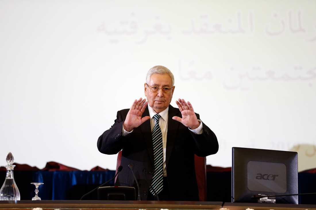 Algeriets interimspresident Abdelkader Bensalah vill att det ska hållas samtal för att ett val ska kunna hållas i närtid. Arkivbild från den 9 april.