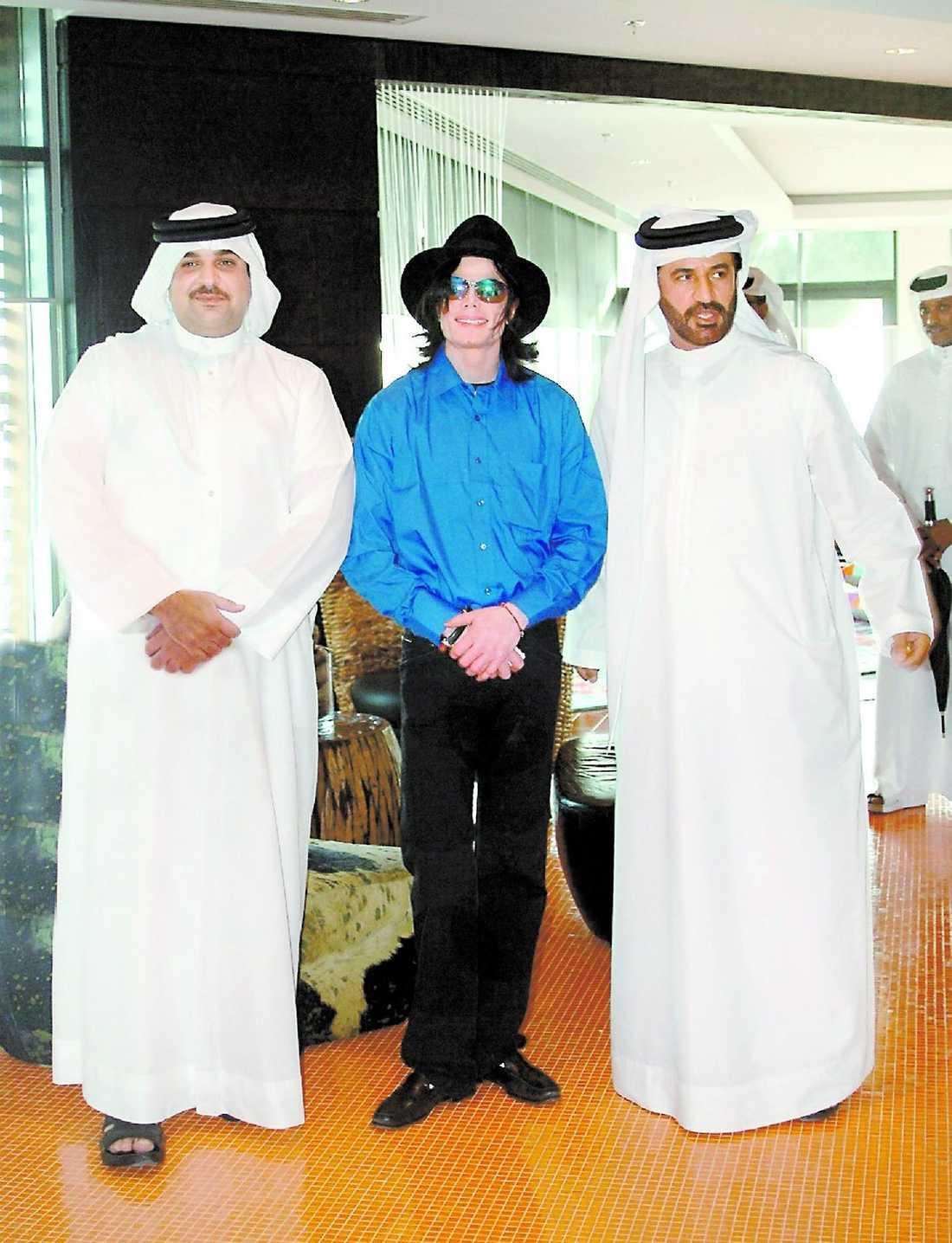 I Bahrain med shejk Abdullah bin Hamed Al Khalifa, son till Bahrains kung.