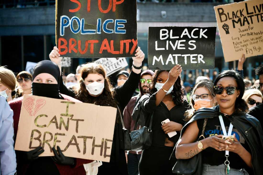 I juni förra året samlades tusentals i Stockholm city för att demonstrera för Black Lives Matter.