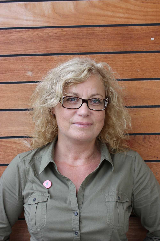 Elza Dunkels, docent vid Umeå universitet, forskar på faror för unga på internet.