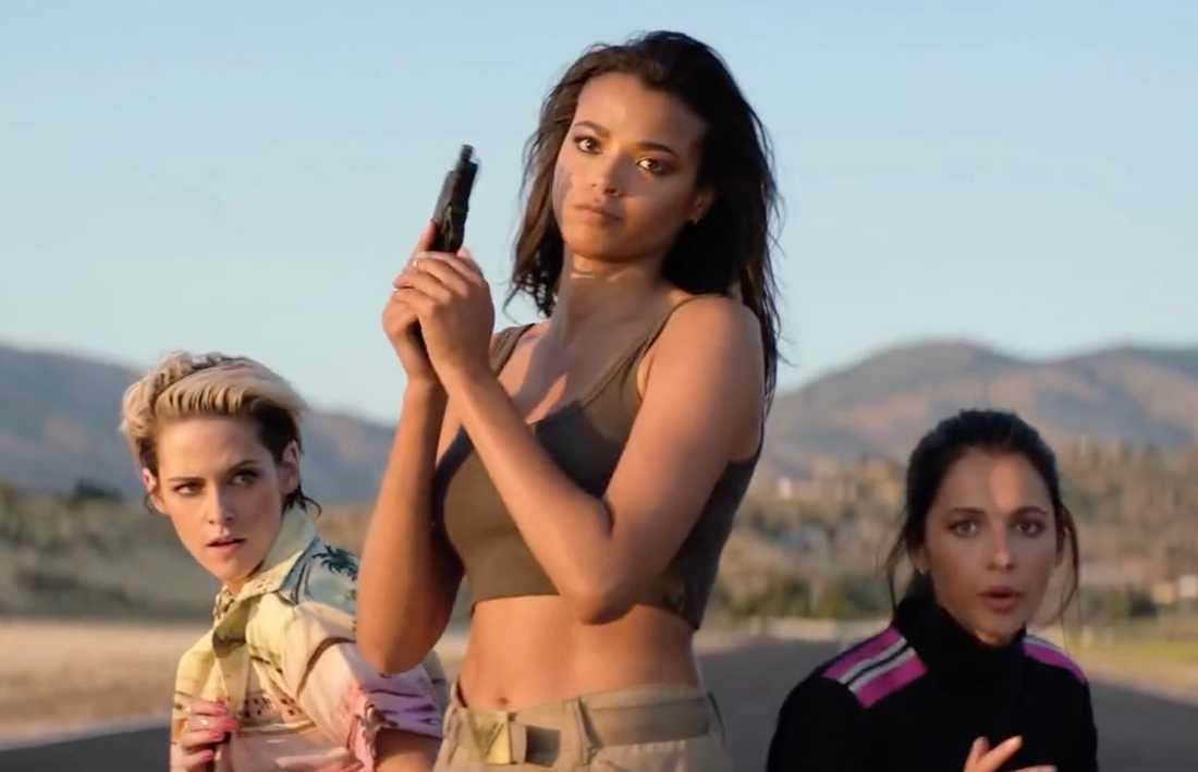 """Kristen Stewart, Ella Balinska och Naomi Scott i """"Charlie's angels""""."""