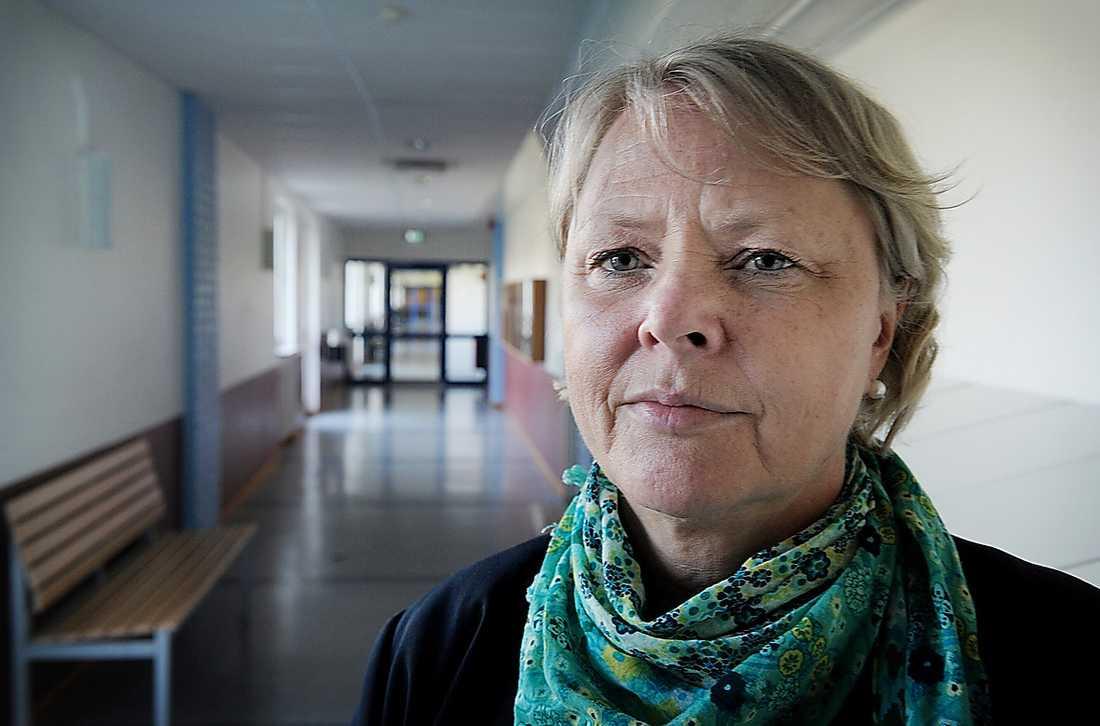Alla måste göra om proven, bestämde Elisabeth Brynje Starfelt, rektor för Mikaelskolan.