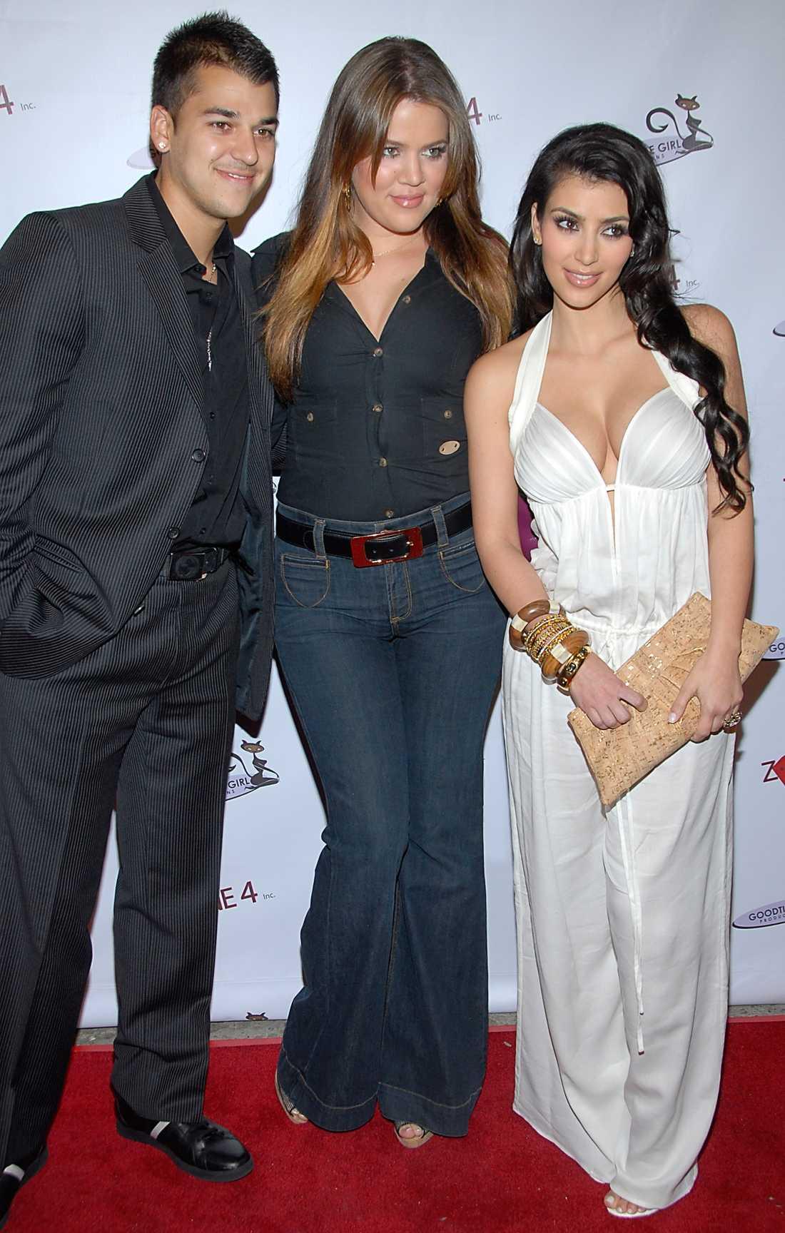 Rob Kardashian med sina mer kända systrar.