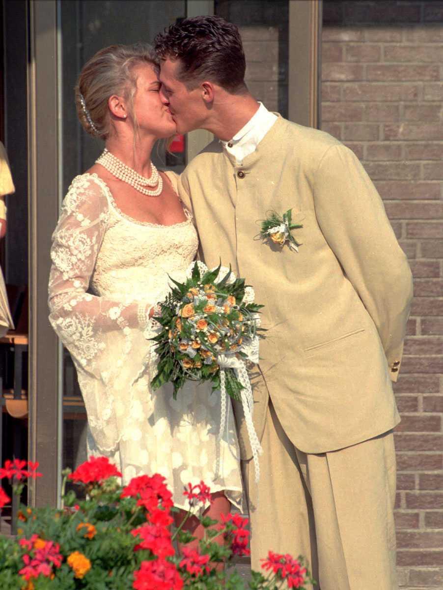 1995 Puss älskling! Michael och hans Corrina gifte sig i en borgerlig vigsel.