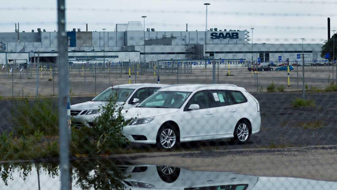Saabs fabrik i Trollhättan där det står ett antal tillverkade bilar av 9-5 och 9-5 kombi som inte ska säljas. Foto: ANDERS DEROS