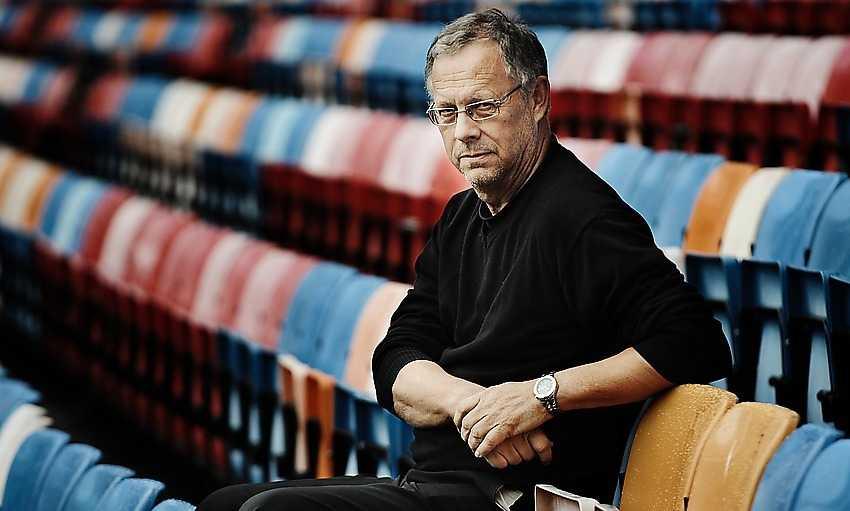 ... Lars Lagerbäck.
