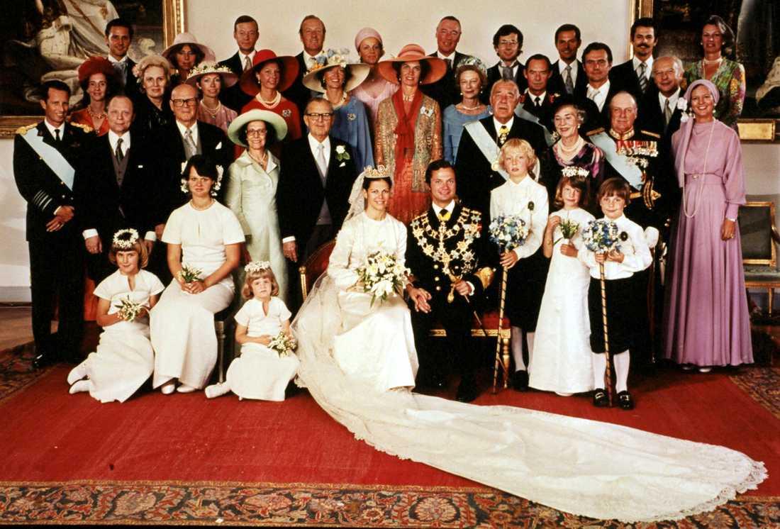 Officiella bröllopsfotografiet från 1976. Arkivbild.
