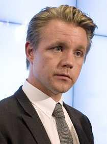 Fredrik Federley tycker att norrmännen kan dra egna kablar.