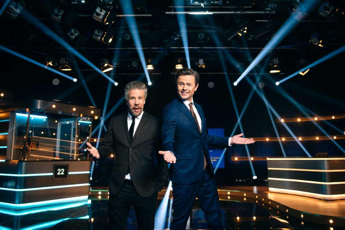 """Filip Hammar och Fredrik Wikingsson leder """"Alla mot alla"""" på kanal 5."""