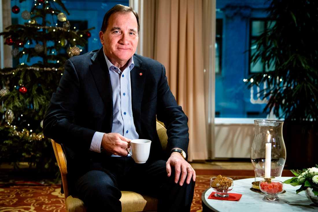 Stefan Löfven ska försöka ha lite julledigt och äta lite sylta, även om han kommer att ha en del telefonsamtal från stugan i Ö-vik.