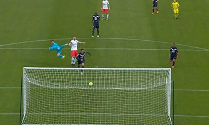 Zlatans påpassliga skarv till 1–1.