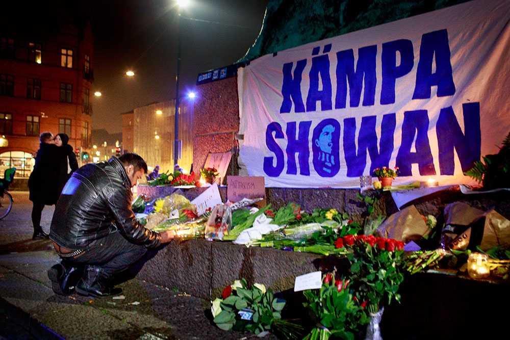 Två kvinnor och två män misshandlades på Kristianstadsgatan natten efter Internationella kvinnodagen 8 mars. De båda männen fick livshotande skador – en med punkterad lunga och Showan Shattak fick förutom knivhugg i kroppen skallbenet krossat.
