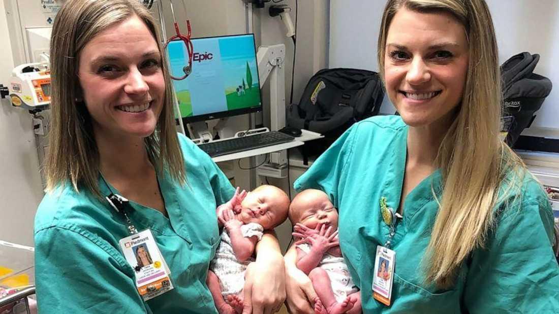 Tvillingsystrarna Tori och Tara med de nyförlösta tvillingarna Addison och Emma.