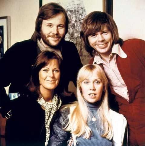 """""""Ingen dålig idé"""" Björn Ulvaeus, Benny Andersson, Anni-Frid Reuss och Agnetha Fältskog har bara sjungit en gång sedan ABBA officiellt splittrades 1983."""