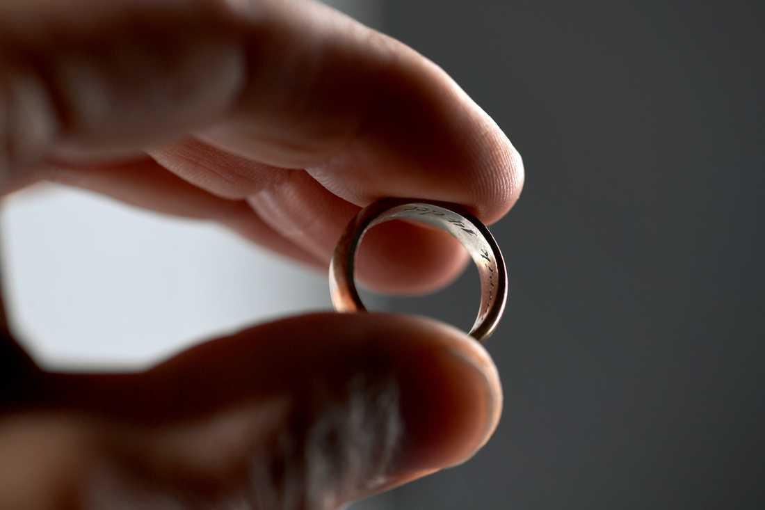 Hjärtinfarktpatienter som genomgått en skilsmässa löper 18 procent större risk för att drabbas på nytt, jämfört med gifta patienter.