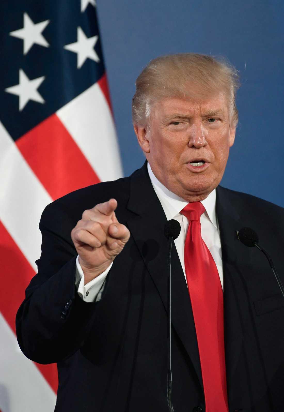 Donald Trump talar i Polen.