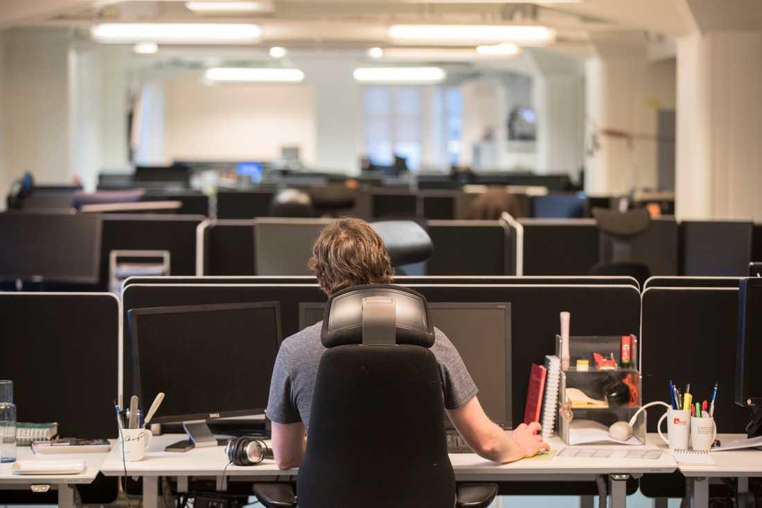 Vad har ett öppet kontorslandskap för effekt på anställda om många mår dåligt av ljuden? frågar sig hörselforskaren Johan Paulin. Arkivbild.