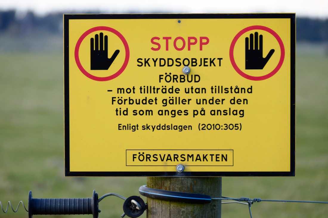En förbudsskylt vid Rinkabyfältet utanför Kristianstad. Arkivbild.