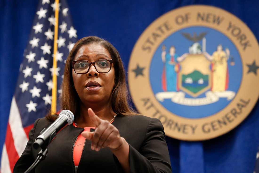Letitia James, chef för delstaten New Yorks justitiedepartement, stämmer vapenlobbyorganisationen NRA.