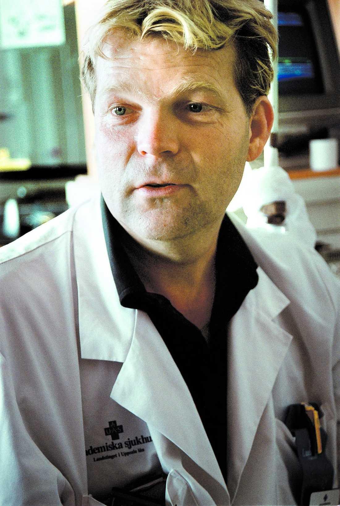 Mixen Viagra och grapefrukt kan leda till kärlkramp, säger överläkaren Stefan Branth.