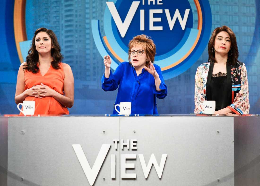 """Cecily Strong, Kate McKinnon och Melissa Villasenor i """"Saturday Night Live""""."""