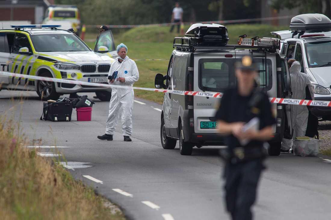 Polistekniker i arbete efter mordet på 13-åriga Sunniva Ødegård som hittats mördad i Norge.
