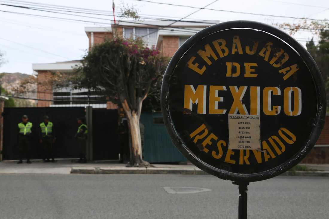 Mexikos ambassad i Bolivias huvudstad La Paz. Bild från annandagen.