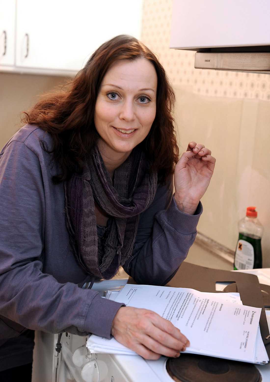 """Linda Gustafsson har precis fått besked om att hon ska få sjukersättning. """"Jag är så lycklig""""."""