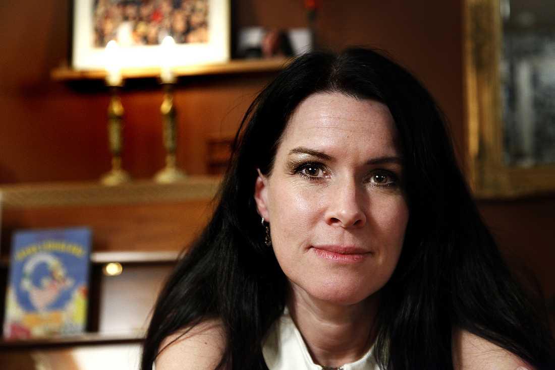 "Åsa Waldau var tidigare pastor i Knutby. Hon blev känd dom ""Kristi brud""  efter morden i Knutby."