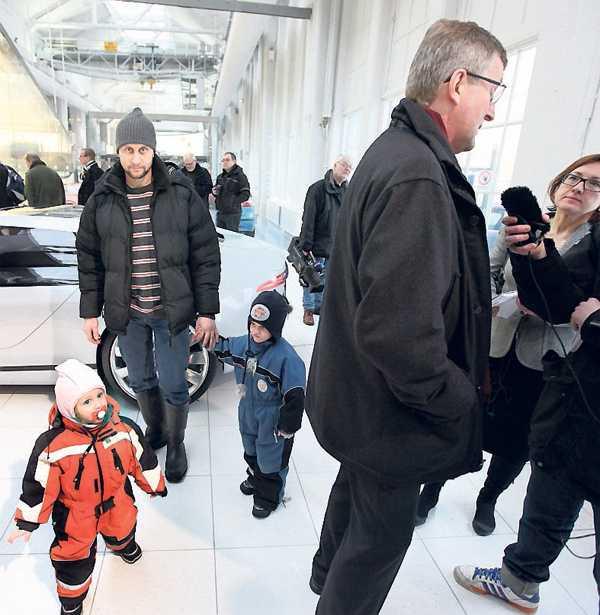 """JOBBAR INTE KVAR Magnus Kjörnberg fick lämna Saab i mars 2009, men lyckades ändå hamna mitt i uppståndelsen. """"Jag gick hit för att uppleva stämningen"""", säger han."""