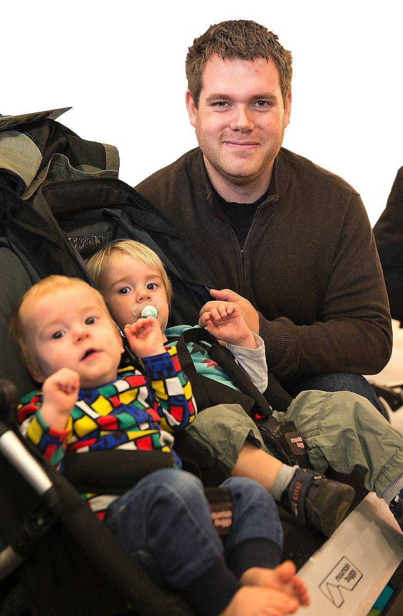 """Tänker du på giftrisken när du handlar till dina barn? Anders Joshammar, 28, Vallentuna. Tre barn i åldrarna 1, 2 och 5 år: """"Nej. Jag litar ju ganska mycket på tillverkarna och utgår från att det finns kontroller."""""""