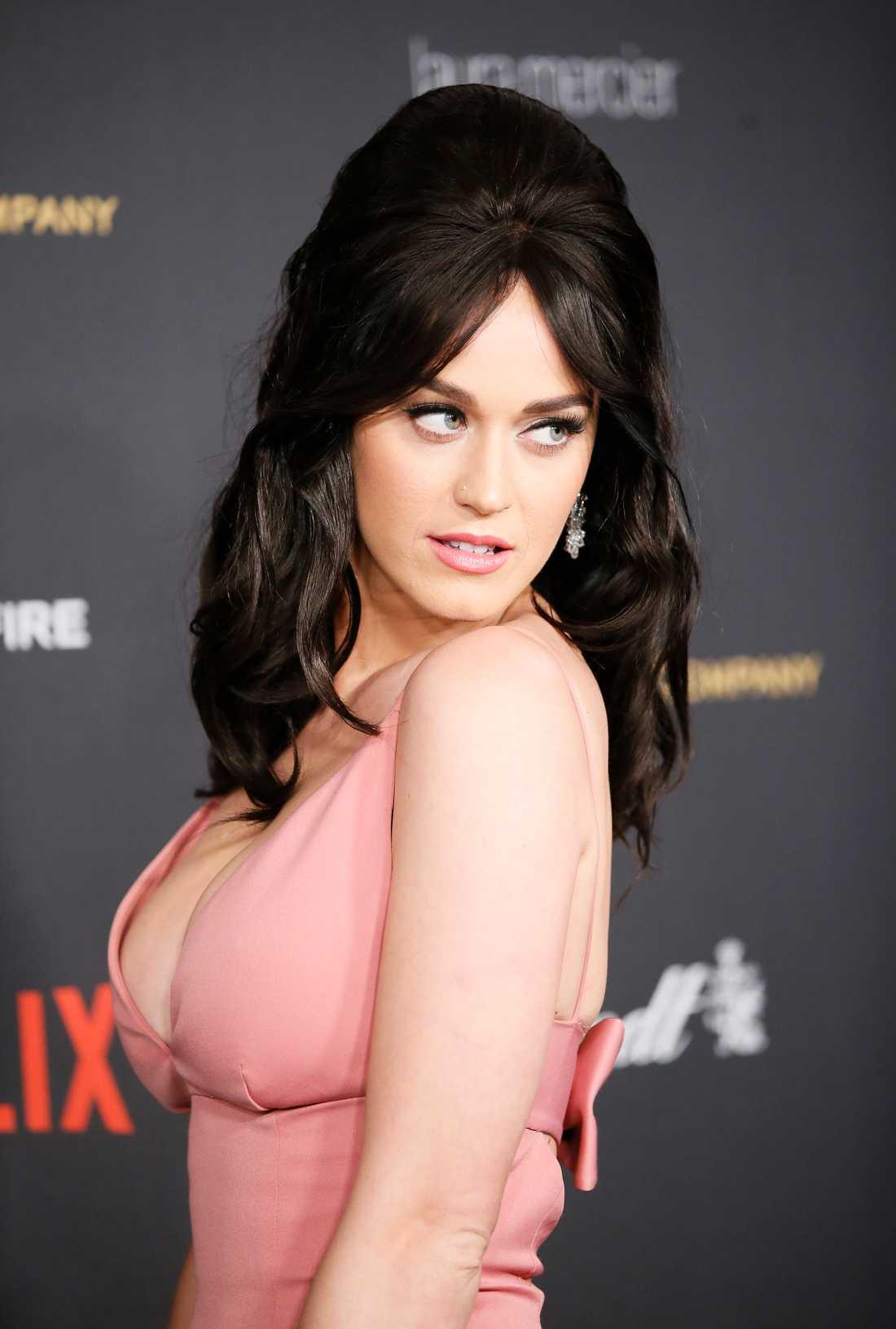 Katy Perrys look väckte uppmärksamhet.