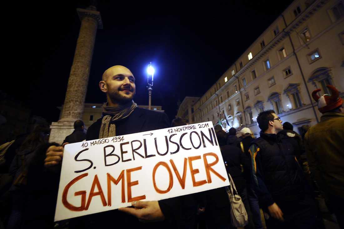 En av reaktionerna på Berlusconis avgång.