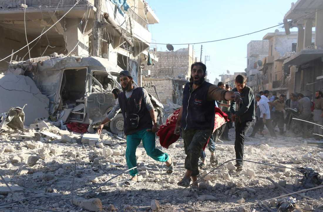 Räddningsarbetare i Aleppo.oto: