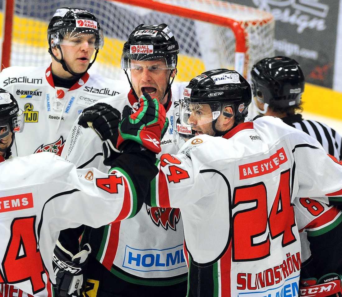Avgörande möte Matchen mellan Modo och Södertälje i morgon blir direkt avgörande för vilket lag som gör Växjö sällskap i elitserien nästa säsong.