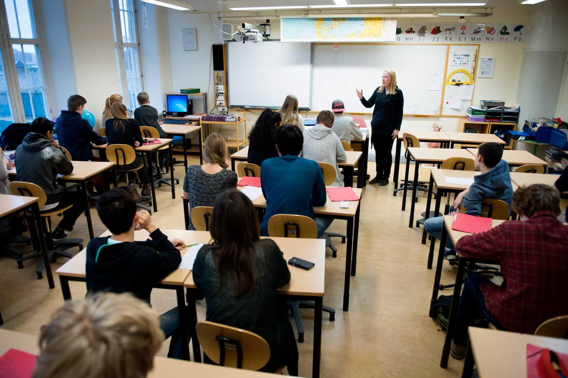 Skolor i utsatta områden är ännu viktigare än man tidigare trott. Det finns inget som pekar på att kriminalitet spiller över till skolorna. Arkivbild.