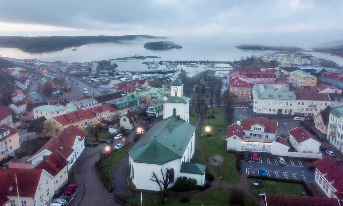 I december brukar det vara bra med folk i Strömstad, men nu är det rätt tomt. Norrmännen lyser med sin frånvaro sedan gränsen stängde.
