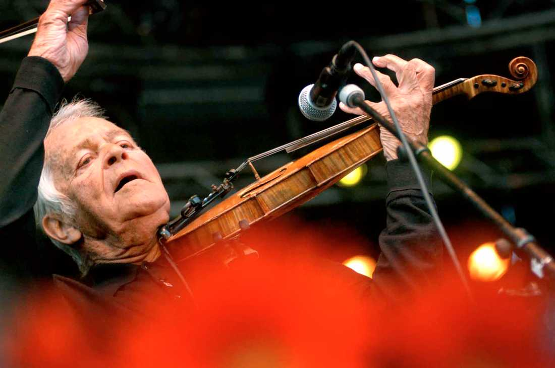 Svend Asmussen på Stockholm Jazzfestival 2003. Arkivbild.