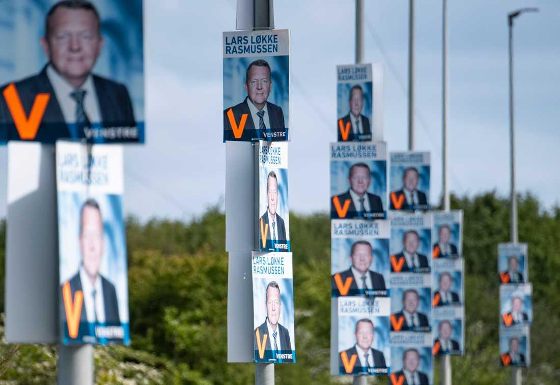 Valaffischer med Lars Løkke Rasmussen inför danska valet till Folketinget i maj. Arkivbild.