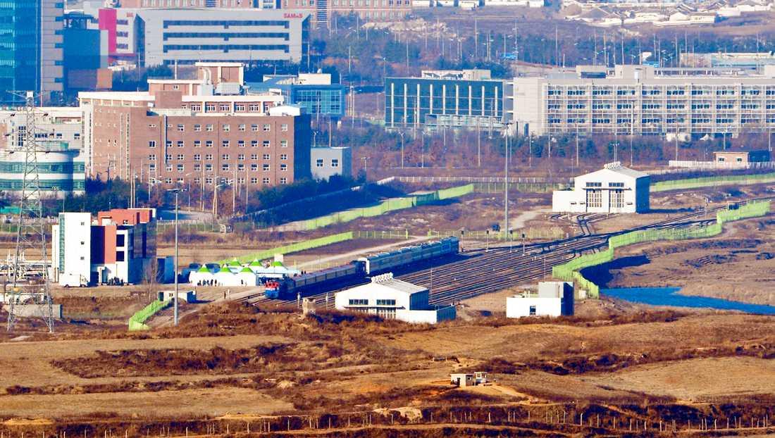 Tåg från Sydkorea och Nordkorea i Kaesong. Arkivbild.