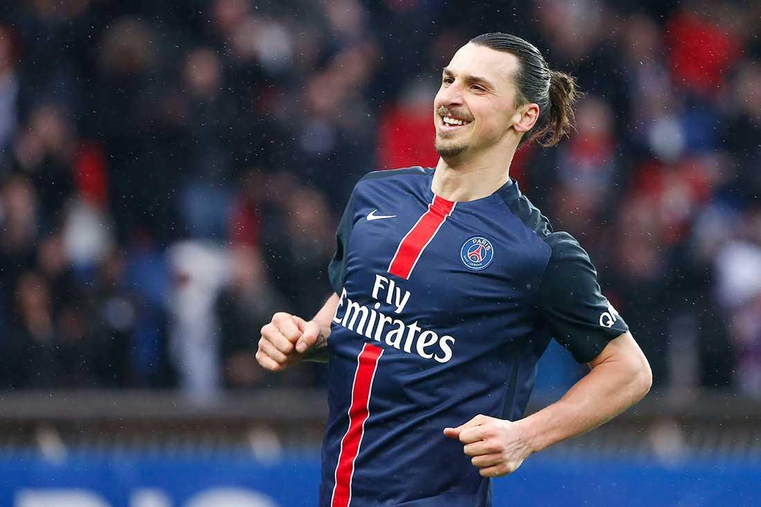 Zlatan får toppbetyg i fransk press.