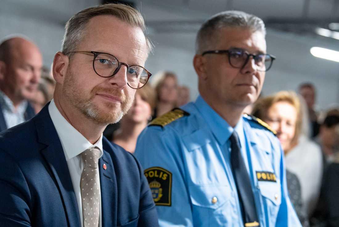 Inrikesminister Mikael Damberg (S) här tillsammans med rikspolischef Anders Thornberg vid invigningen av polisutbildningens nya lokaler i Malmö i september i fjol.