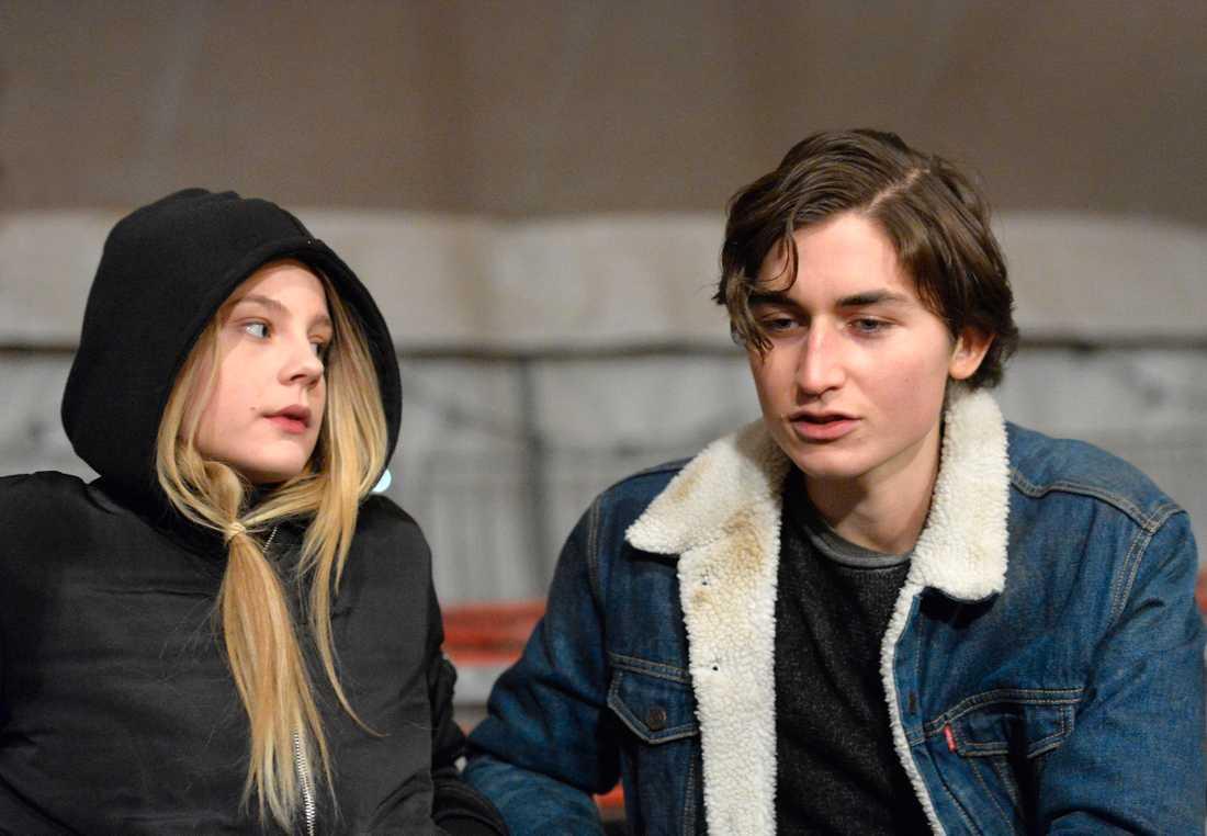 """Molly Nutley och Gustav Lindh spelar i Helena Bergströms nya film """"Vilken jävla cirkus""""."""