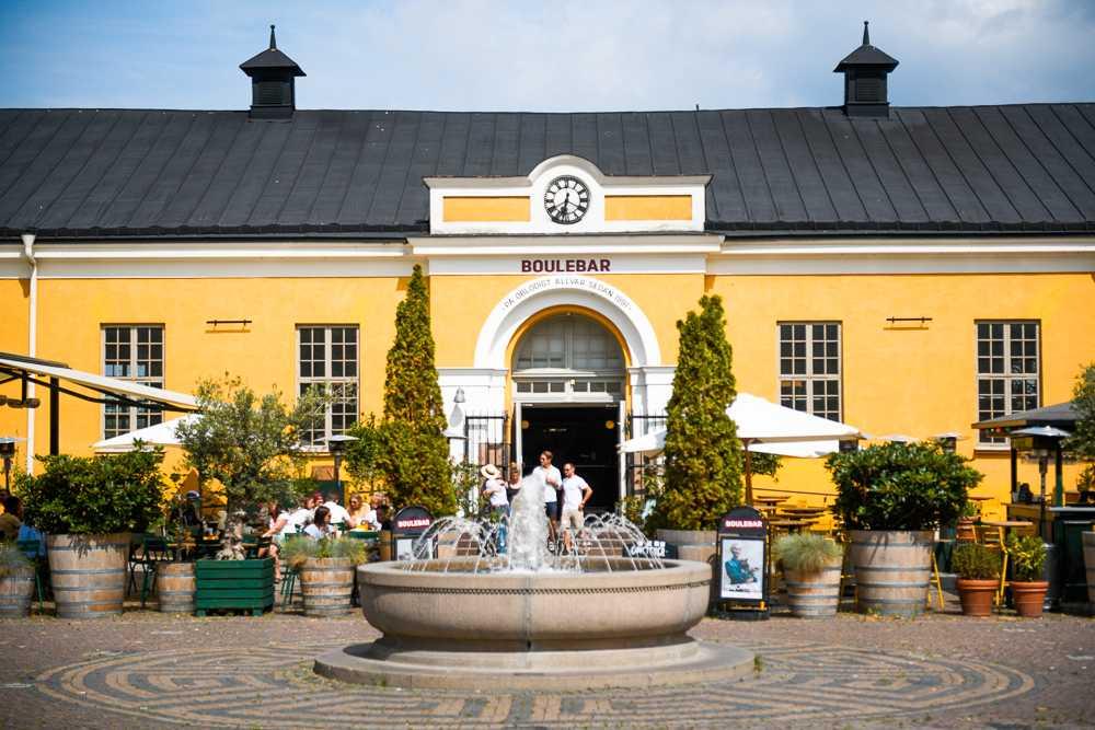 Boulebar på Drotttningtorget har Malmös största uteservering.