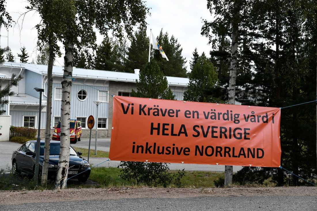 Stefan Löfven träffar sjukhusockupanterna i Sollefteå – i största hemlighet.