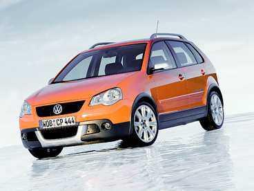 VW Cross-Polo Kommer: juli. Trendigt. Högbyggda Polo är en liten stadsjeep.