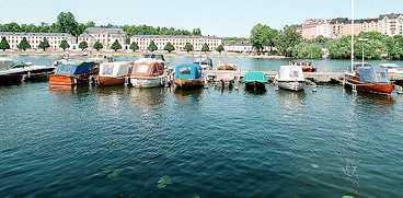 Lovade simma Ställföreträdande ÖB, Hans Berndtson, lovade att simma över Karlbergskanalen.