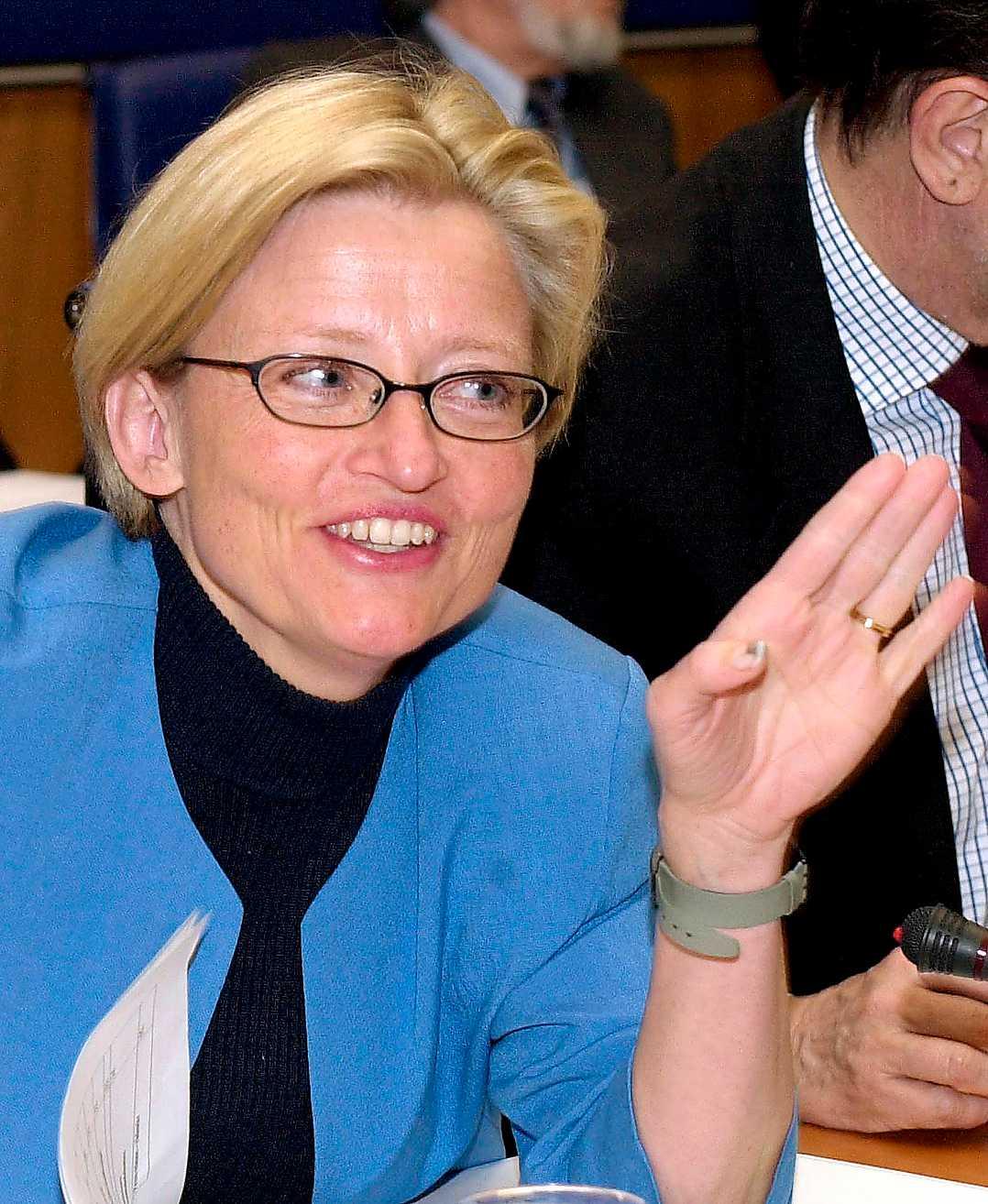 """""""För det första ska jag inte bli statsminister. För det andra tycker jag Stockholm är en bra huvudstad."""" Anna Lindh, januari 2001, om när hon ska bli statsminister och göra Göteborg till huvudstad."""