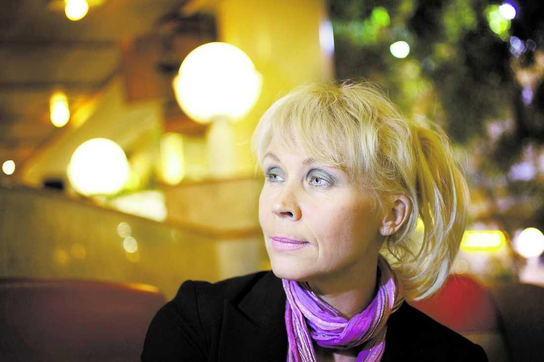 Lili har återförenats med Susie. Här berättar hon om hur de båda kom bort ifrån varandra, sin abort och kärleken till djuren. På lördag kväll gör systrarna Päivärinta comeback i Melodifestivalen efter 20 år.